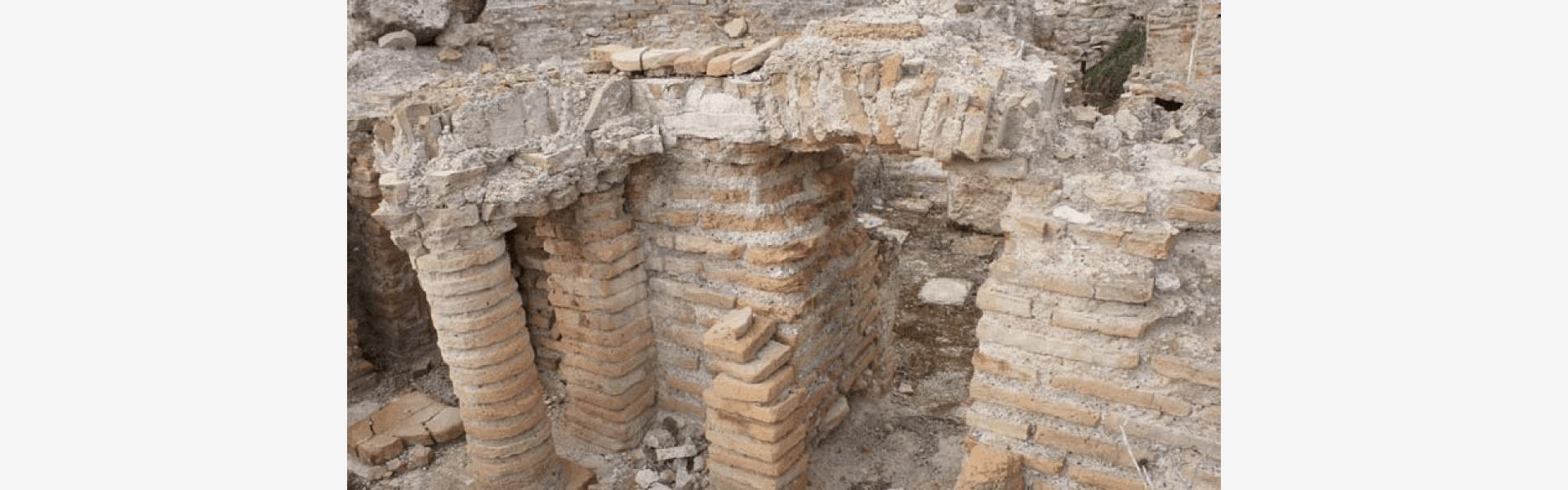 Αρχαιολογικός χώρος στο Λουτράκι
