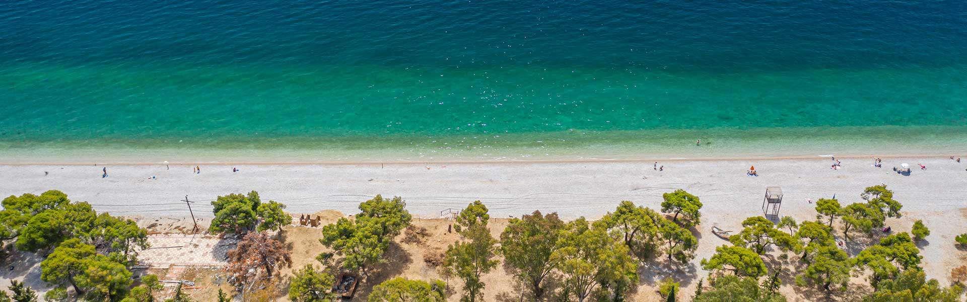 Παραλία Αγίων Θεοδώρων