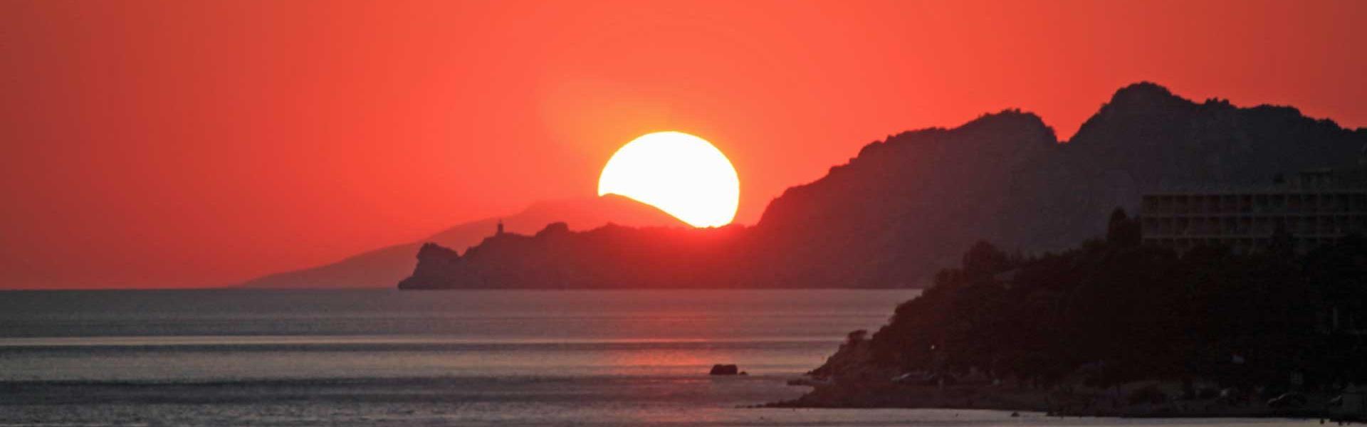 Ηλιοβασίλεμα στο Λουτράκι