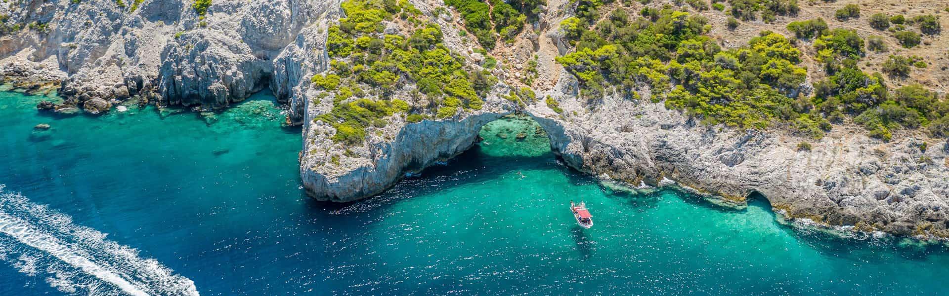 Η σπηλιά της φώκιας στο Λουτράκι