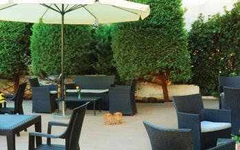 ilion hotel garden