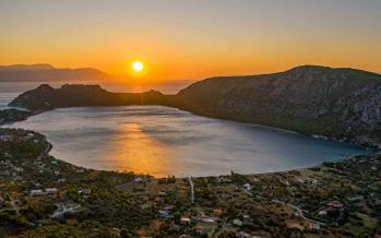 Ηλιοβασίλεμα λίμνη βουλιαγμένης