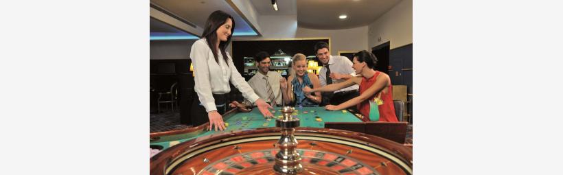 Casino dealer in Loutraki